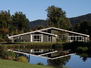 Reflection Lodge - Fox Glacier vacation rentals