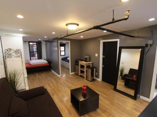 For 6 ppl in the heart of Chelsea!! $250/night - New York City vacation rentals