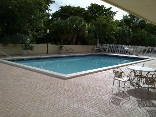 New apartment, 5 minutes to the beaches - North Miami Beach vacation rentals