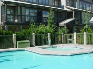 Free parking & pool and hot tub access. Whistler Village location - Whistler vacation rentals