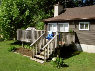 Cozy Waterview Haliburton Cottage with Fireplace - Haliburton vacation rentals