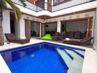 KUTA ROYAL VILLA  (A11) - Kuta vacation rentals