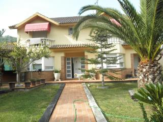 Family Villa with pool.Canyelles,Sitges Barcelona. - Canyelles vacation rentals