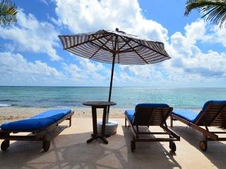 MAYA - MAGI5 Beautiful bechfront villa with turquoise water and white soft sand. - Akumal vacation rentals