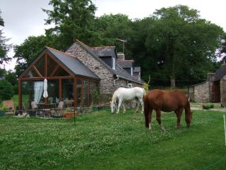Brittany Central Equestrian Holidays - Plemy vacation rentals