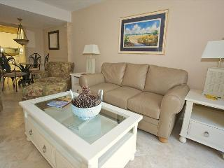 Xanadu Villa D14 - 1 Bedroom 1 Bathroom Poolside Flat Hilton Head, SC - Hilton Head vacation rentals