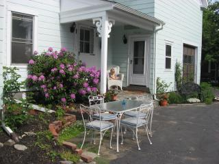 Historic Downtwon Brunswick - Gateway To MidCoast - Brunswick vacation rentals