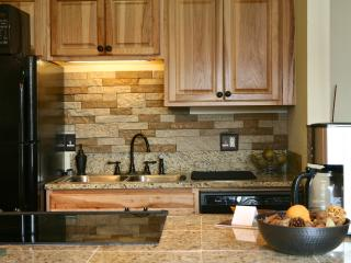 Meadow Ridge 9-6: Warm & Inviting Mountain Oasis, Perfect For Couples & Small Families - Winter Park vacation rentals