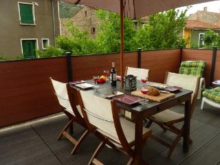 Le Canigou, lovely apartment, large terrace, BBQ - Languedoc-Roussillon vacation rentals