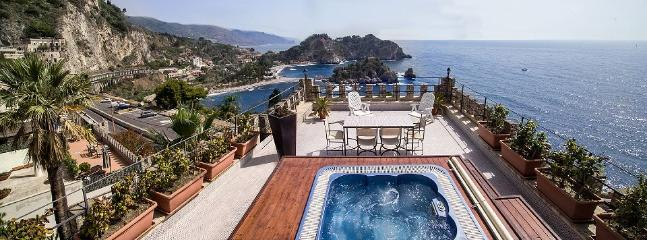 Elegant villa with breathtaking view of IsolaBella - Image 1 - Taormina - rentals