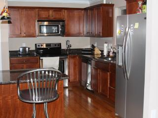 Gorgeous home in Greater Cincinnati area (5 mi) - Fort Wright vacation rentals