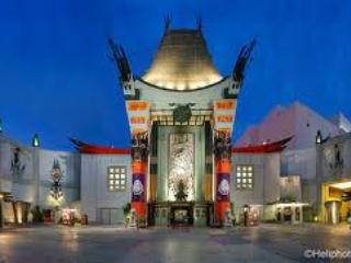 Grauman's Chinese Theater is within WALKING DISTANCE! - Bed and Bay Residence Inn