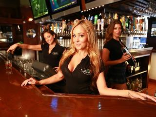 Dillon's Irish Pub is within WALKING DISTANCE! - Bed and Bay Residence Inn
