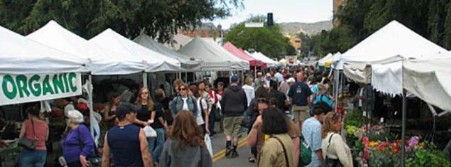 The Famous Hollywood Farmer's Market is within WALKING DISTANCE! See the Stars! - Bed and Bay Residence Inn
