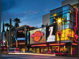 The Hard Rock Cafe is within WALKING DISTANCE! - Bed and Bay Residence Inn