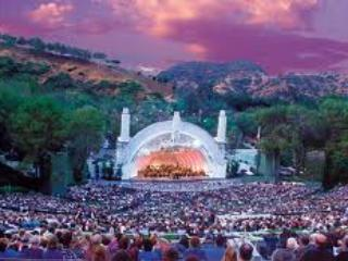 The Hollywood Bowl (where you can still take a 'picnic' into the concert!!) is 5 minutes away! - Bed and Bay Residence Inn