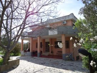 HOLIDAY RENTALS VILLA MASTRO PEPPE - Soverato vacation rentals