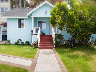 Lovely Beach Cottage with Garden - Marina del Rey vacation rentals