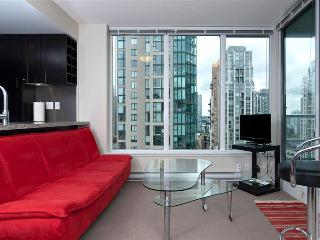 Bright Yaletown 1BR Corner Unit -HH1407-Min 5 Days - Vancouver vacation rentals