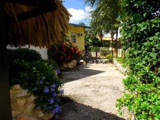 Kashimiri bungalow - Willemstad vacation rentals