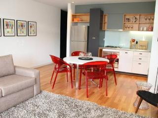 ST KILDA - Large Balcony 2 BDR APT - Melbourne vacation rentals