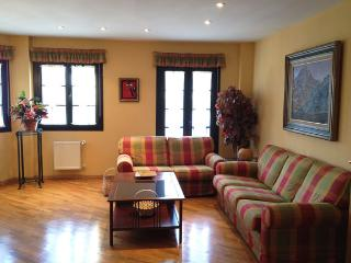 Luxury Townhouse with Great Water Views - Castropol vacation rentals