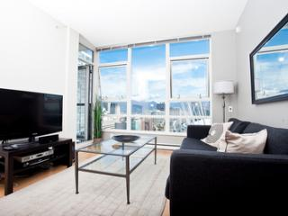 2BR Suite w/ Den and Views - MAX2-2905-Min 30 Days - Vancouver vacation rentals