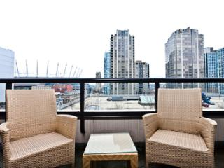 Bright Studio in  Yaletown! YPT2-0703 Min 5 Days - Vancouver vacation rentals