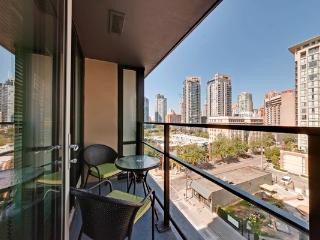 1BR + Office Modern Luxury! Rich 904 Min 5 Days - Vancouver vacation rentals