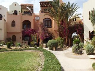 108260- 2 bedroom flat, Italian Compound, El Gouna, Hurghada - Egypt vacation rentals