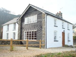 Beautiful Cliff Top Cottage With Stunning Sea View - New Quay vacation rentals