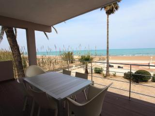 STUNNING HOUSE FACING A QUIET BEACH - Denia vacation rentals