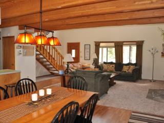 8 SHARC, hot tub, a/c, wifi - Sunriver vacation rentals