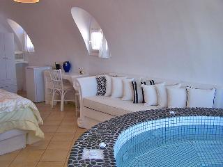 Secluded Private villa Caldera View - Santorini vacation rentals