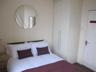 Tolka one bed in the city - Dublin vacation rentals