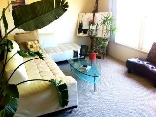 Entire 1000 SqFt 1-Bedroom Apartment - Santa Monica vacation rentals