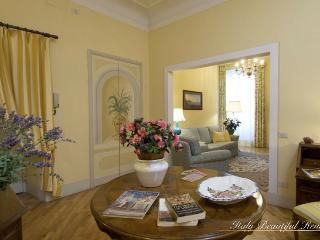 Arno River Retreat - Beautiful Two Bedroom - Florence vacation rentals