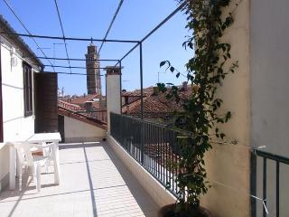 Ca' Bianca a lovely apartment with terraces and an emotional view!!! - Venice vacation rentals
