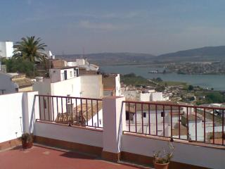 Town house in 'the white villages of Andalusia' - Arcos de la Frontera vacation rentals