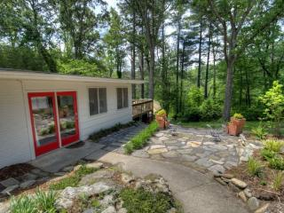 Pond View Guest House - Hendersonville vacation rentals