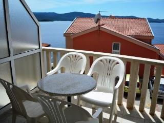 Apartments and Rooms Ante - 51181-A1 - Komarna vacation rentals