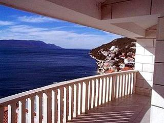 Apartments and Rooms Ante - 51181-A8 - Komarna vacation rentals