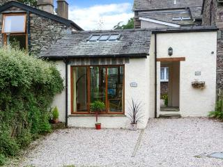 JUNIPER COTTAGE, courtyard, great base for walking, Ref 905436 - Grasmere vacation rentals