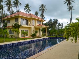 3 bed tropical villas - Lamai Beach vacation rentals
