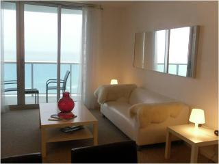 Incredible apartment w/ ocean view! - Hollywood vacation rentals