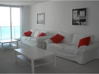 Spectacular apartment w/ ocean view! - Hollywood vacation rentals