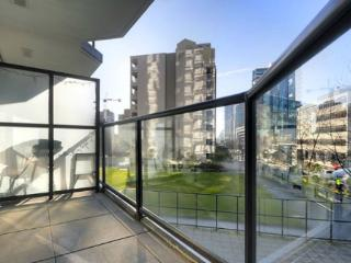 1BR Classy Suite in Yaletown - HOWE306 Min 5 Days - Vancouver vacation rentals