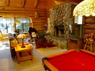 Luxurious Log Cabin Inside The Gates Of The Park! - Yosemite National Park vacation rentals