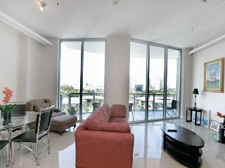 MODERN LOFT 1BR/2BATH, Water View,  High Ceiling - Aventura vacation rentals