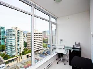 Bright  2BR+Office Corner Unit PURE1404 Min 5 Days - Vancouver vacation rentals